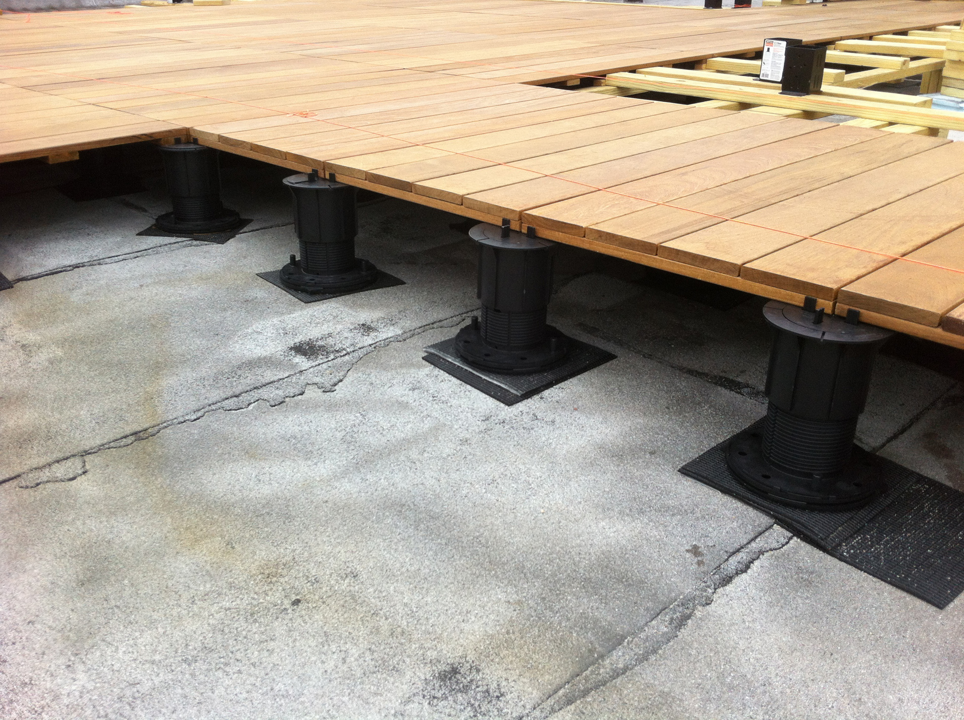 Adjustable Pedestal Decking Systems All Decked Out pertaining to proportions 1900 X 1419