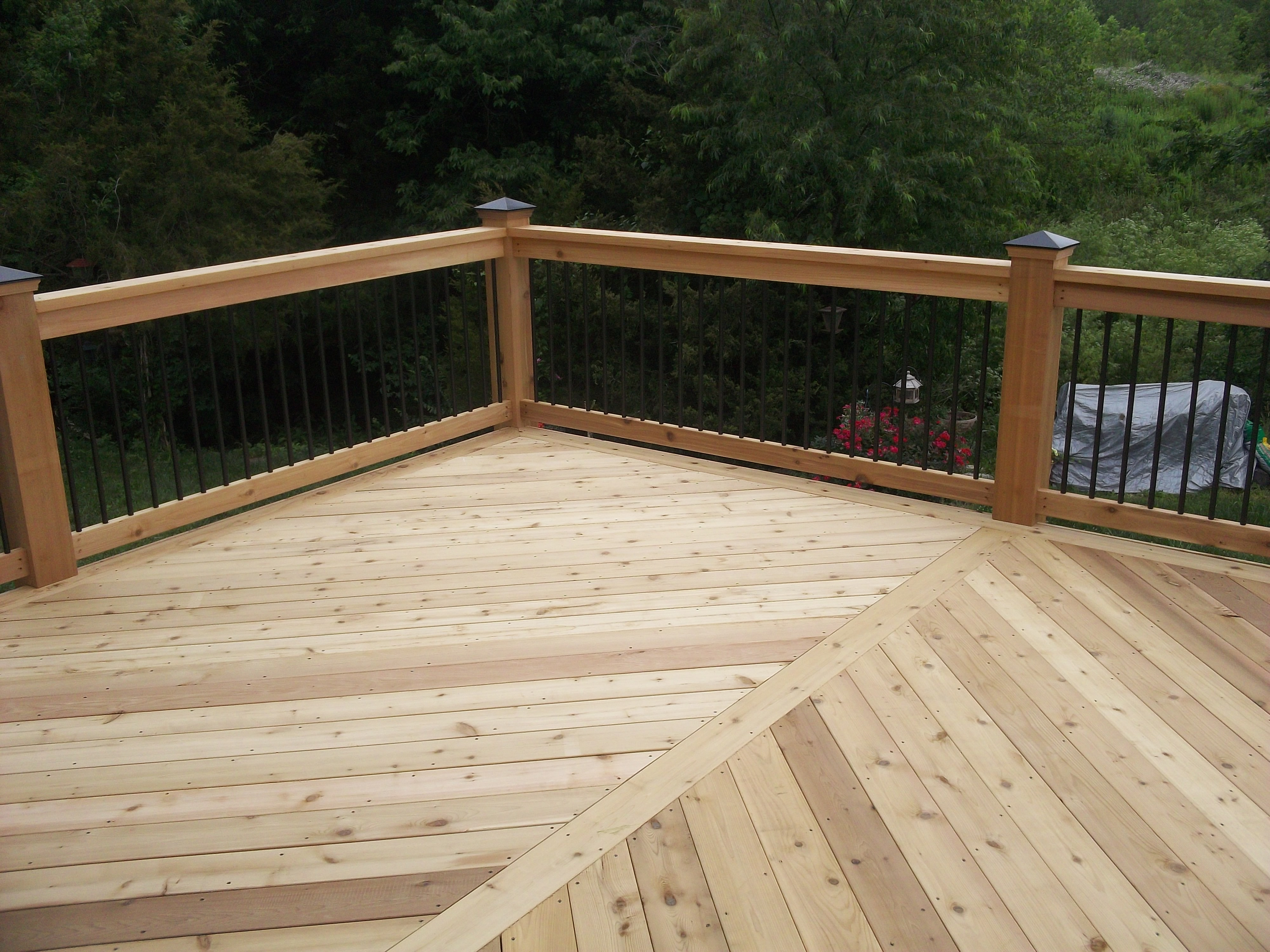 Chesterfield Fence Deck Company Cedar Decking Throughout Dimensions 4000 X 3000