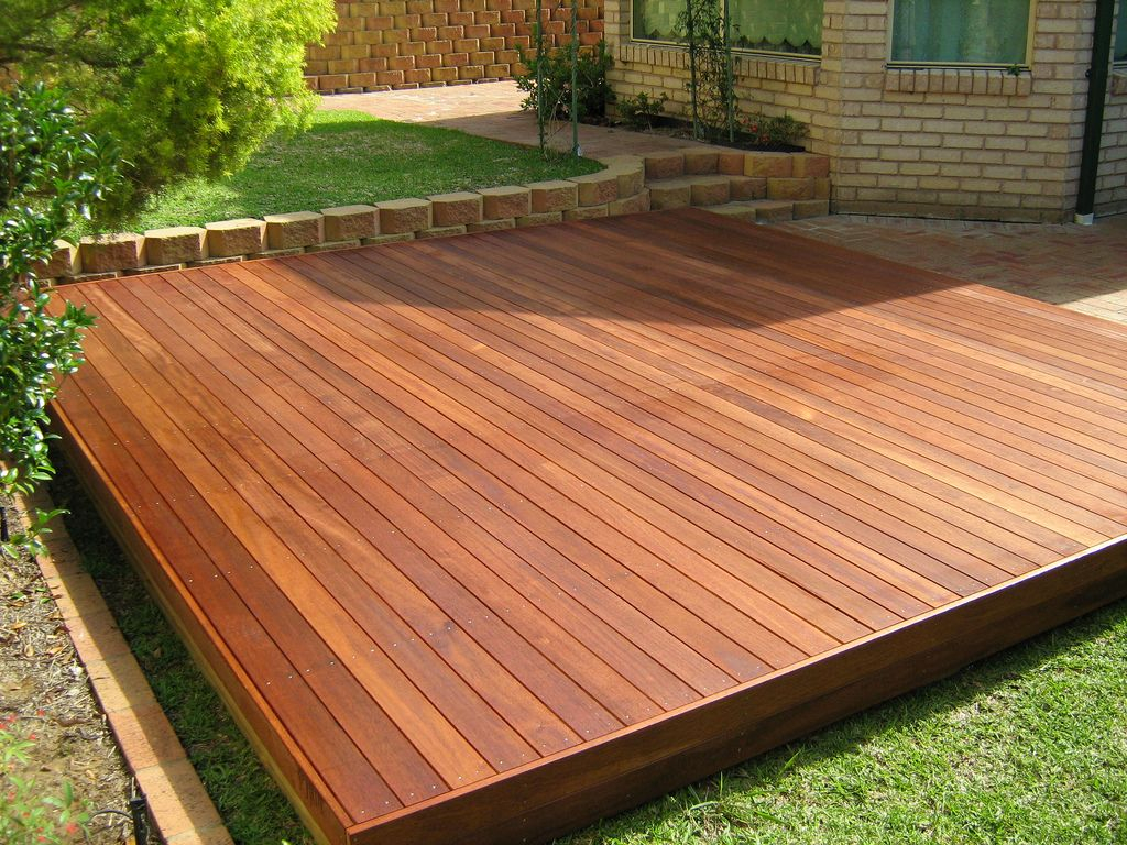 Floating Deck Decking And Backyard Within Measurements 1024 X 768