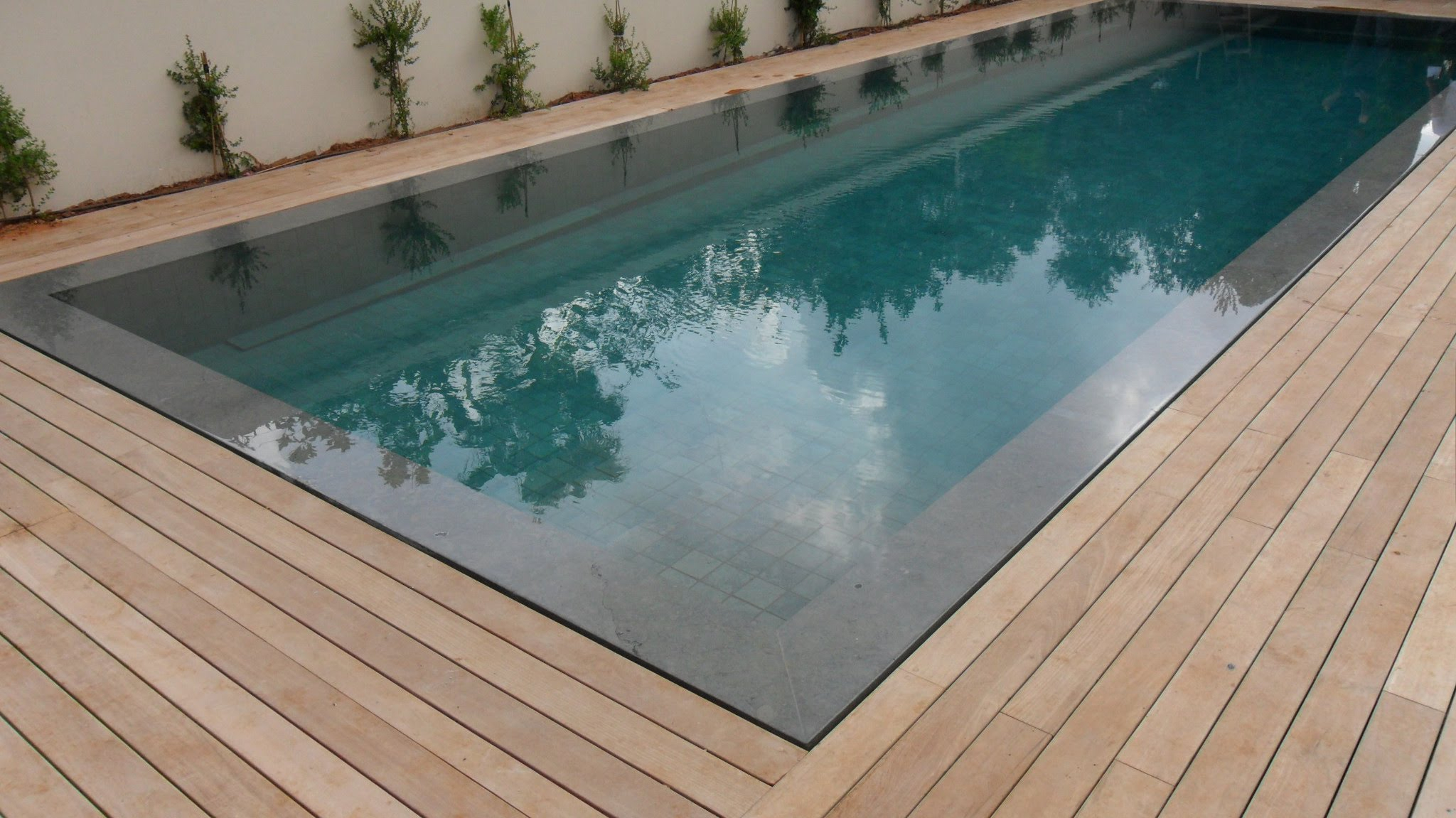 Teak Decking Installation Around Swimming Pool With Hidden Fasteners Dimensions 2048 X 1151