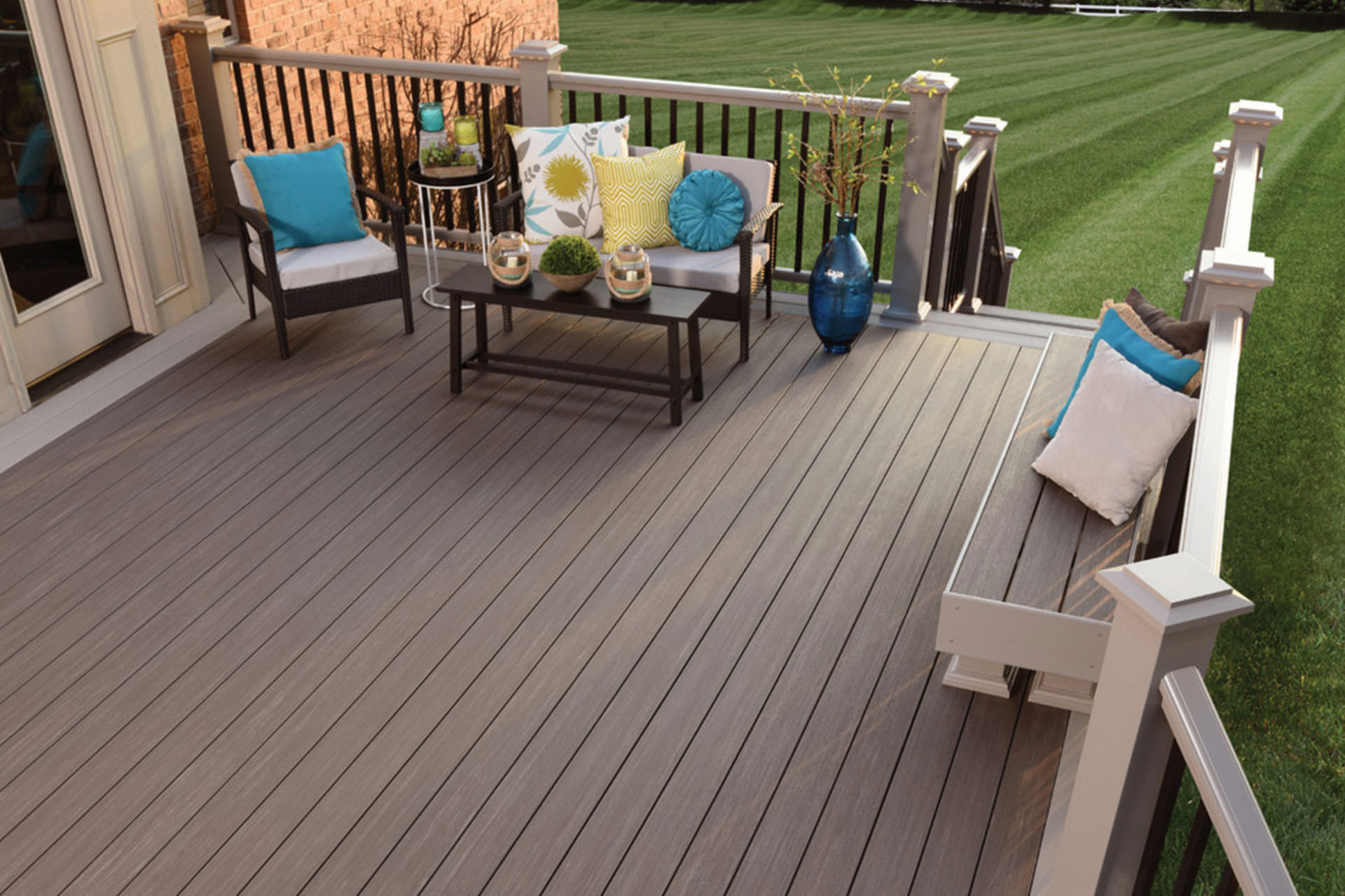 Wood Composite Or Pvc A Guide To Choosing Deck Materials For Proportions 1920 X 1280